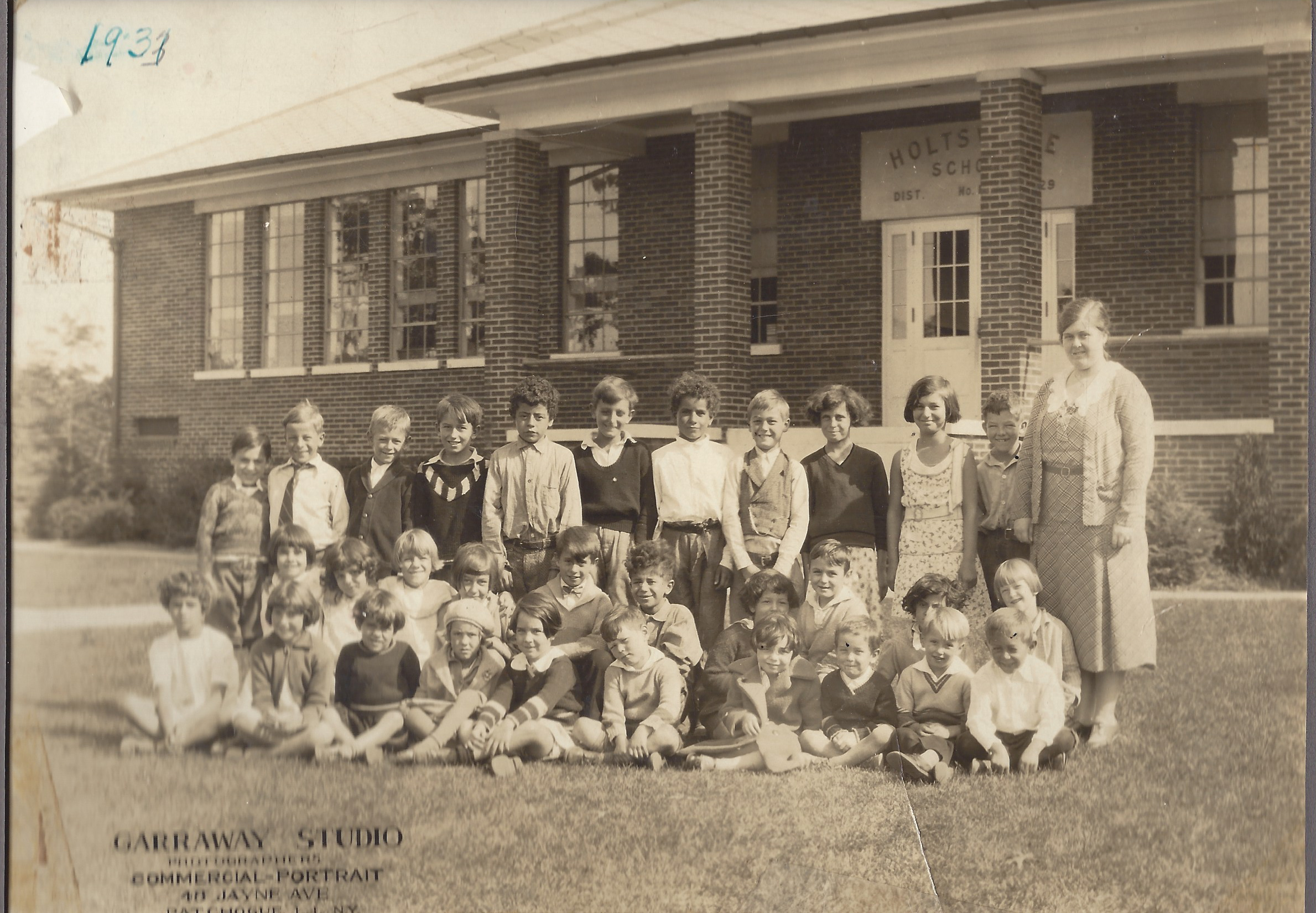1933 Waverly Ave School
