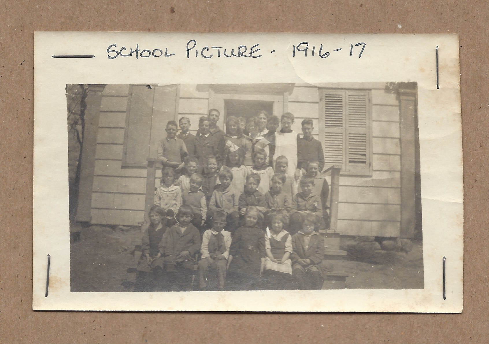 4.1916-17 School Picture